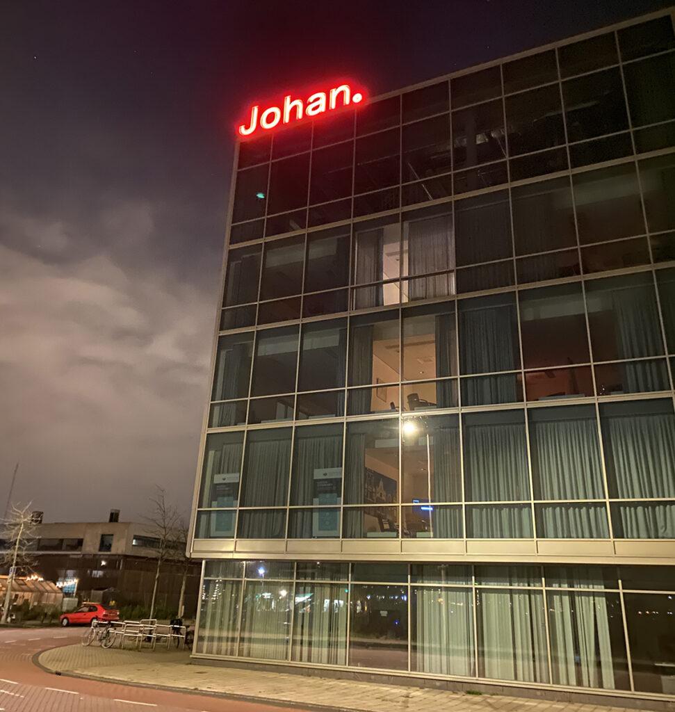Johan by Night